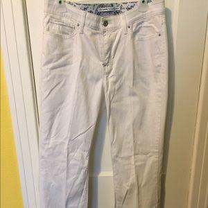White Levi's 525 Jeans 👖